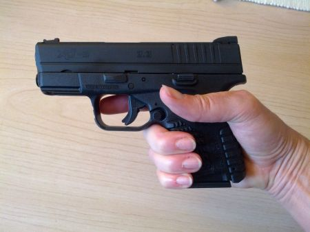 Perfect fit! The XDS and my small hands.